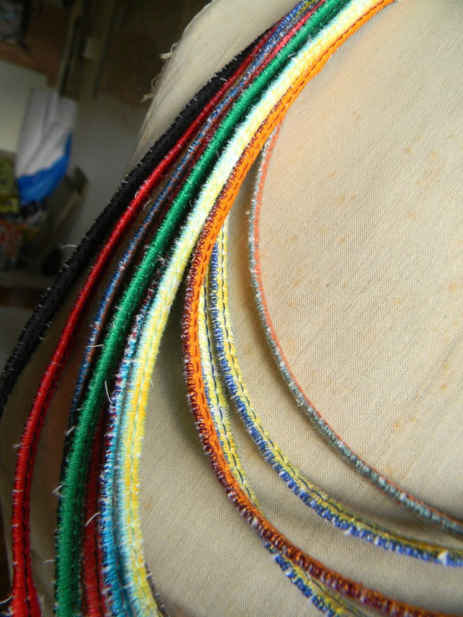 13 zigzag thread necklaces3