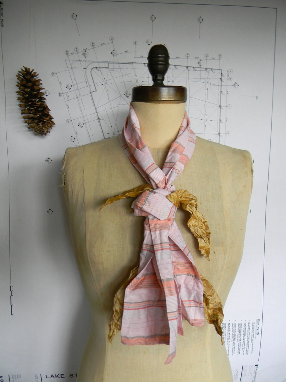 four golden wishes scarf4