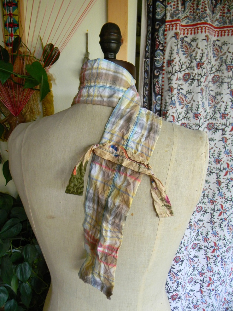 sculptural plaid scarf5