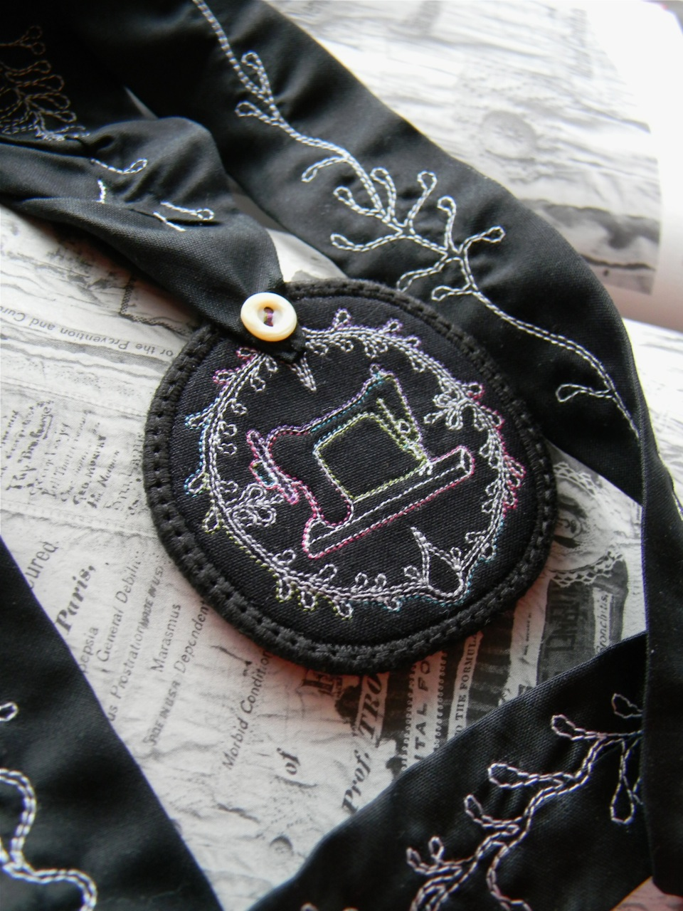 sewing machine medallion necklace2