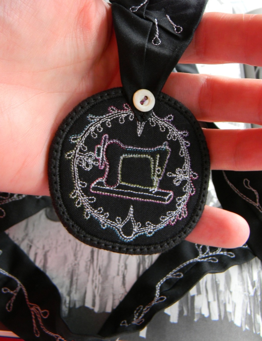 sewing machine medallion necklace3