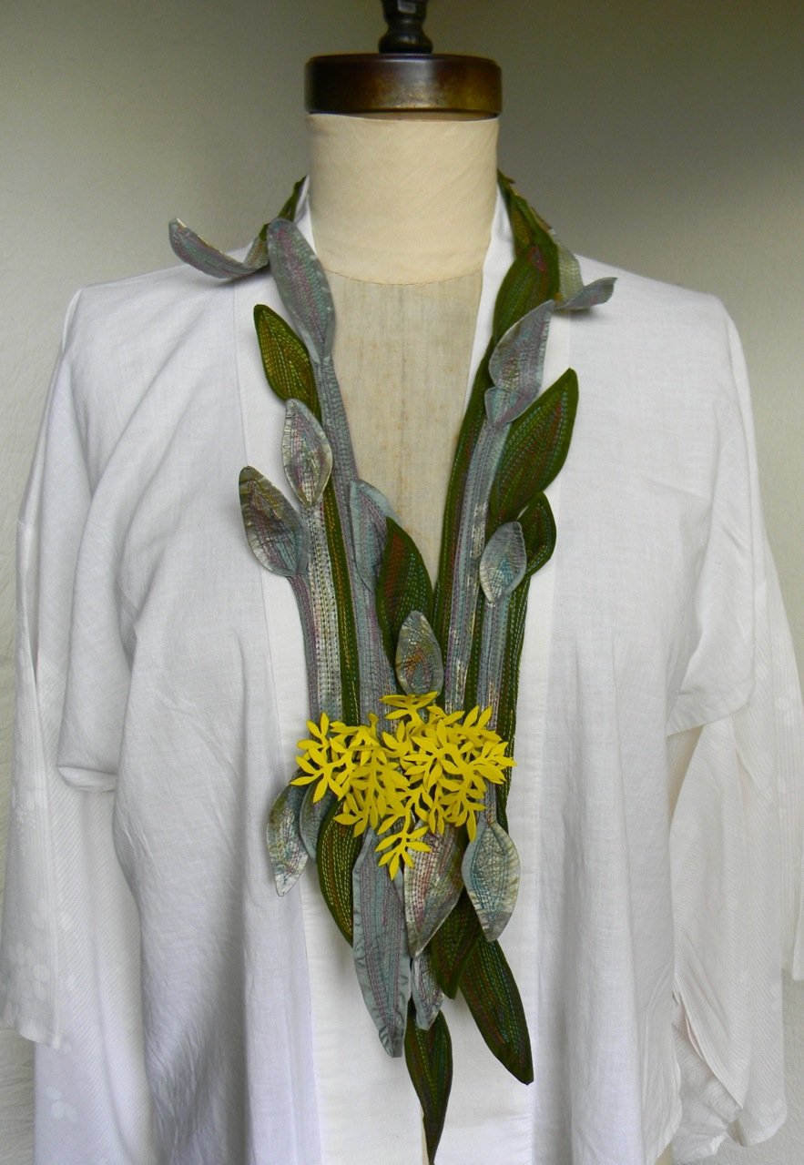 yellow blooming lilly necklace1